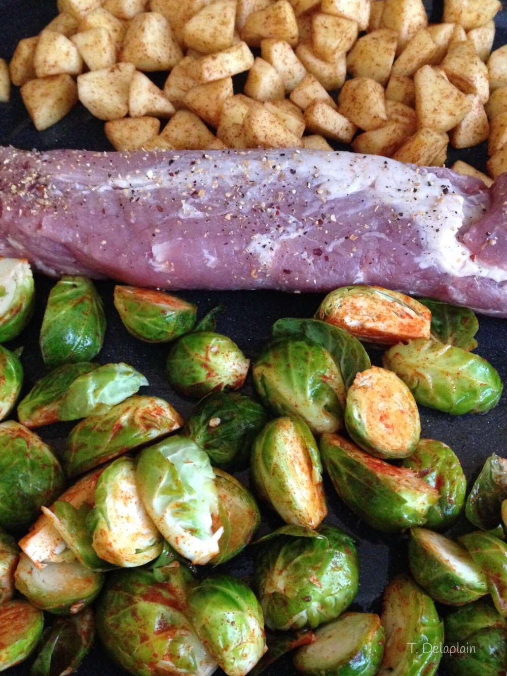 One Sheet Pork Tenderloin, Apples and Brussels Sprouts/MyBajaKitchen